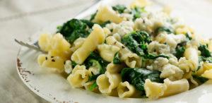 Spinach Garlic Pasta Recipe in Urdu
