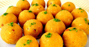 Besan Ladoo Recipe in Urdu