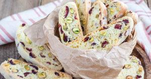 Cranberry Pistachio Biscotti Recipe in Urdu