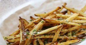 Garlic Skinny Fries Recipe in Urdu