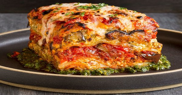 vegetable lasagna with tomato and cream sauce 1