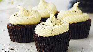 Chocolate Cupcakes with White Chocolate Frosting Recipe in Urdu