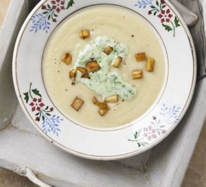 Parsnip soup with parsley cream
