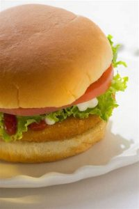 Chicken Burger with Damigras Sauce Recipe in Urdu