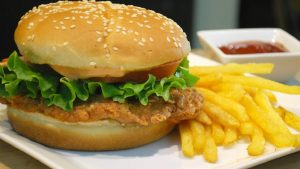 Zinger Style Burger Recipe in Urdu