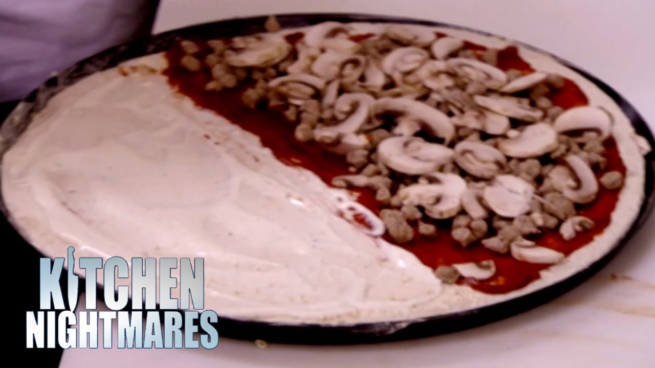"""""""That's The Saddest Excuse For A Pizza I've Ever Seen In My Entire Life"""" 